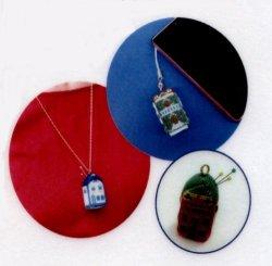 画像2: [7624] クロスステッチの贈り物 ちいさいおうちのビスコーニュ 2:赤